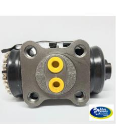 Cilindro de freno tras derecho T-T Hino dutro 300 (5 pernos) 1. 1/8